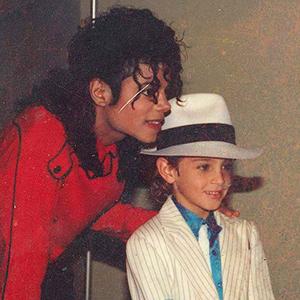 «Покидая Неверленд»: Шокирующие признания тех, кто ребёнком дружил с Майклом Джексоном
