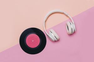 На кого подписаться: Ютьюб-канал о музыке Earworm
