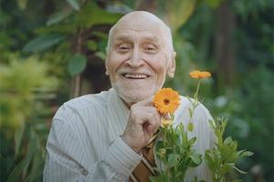 Николай Дроздов рассказывает о растениях в новом видео Vogue