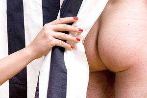 30 мужских задниц  без фотошопа