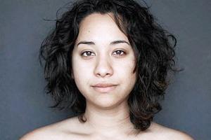 Дубль два: женщину снова отфотошопили в разных странах