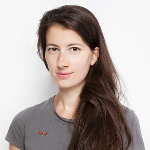 Журналистка Виктория Базоева о любимой косметике и спорте