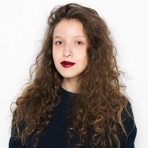 Журналистка Настя Полетаева о самооценке и любимой косметике