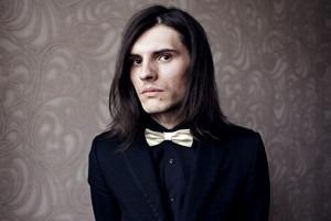 Гардероб: Андрей Толстов, модель, сотрудник магазина «КМ20»