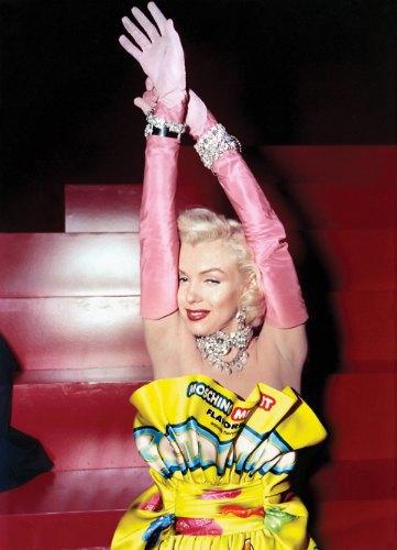 Мэрилин Монро в «Джентльмены предпочитают блондинок». На ней платье Moschino. Изображение № 6.
