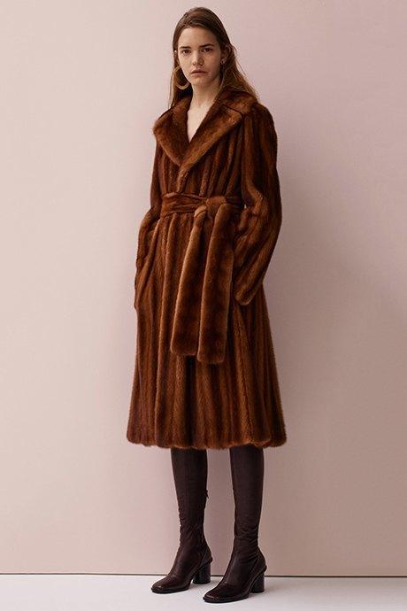 Что носить зимой:  10 модных образов  для холодной погоды. Изображение № 13.