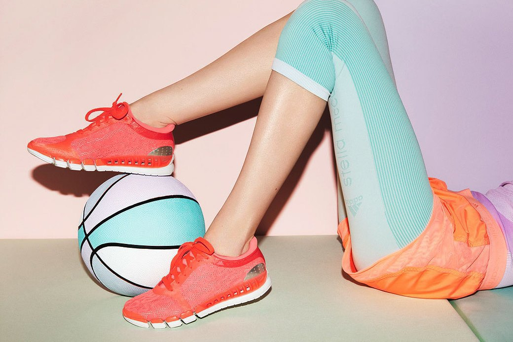 На три полоски: Как adidas приходит  на смену Nike. Изображение № 2.