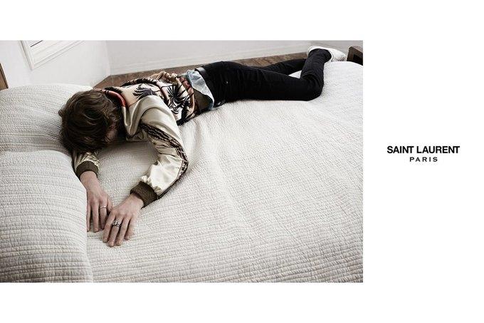 Звезда «Любви» Гаспара Ноэ и сын Килмера снялись в рекламе Saint Laurent. Изображение № 28.