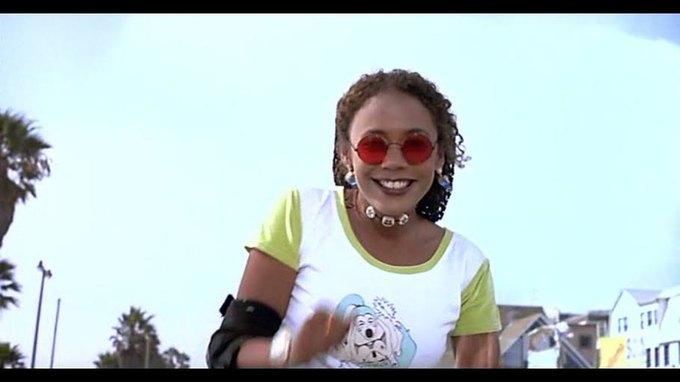 Что можно узнать  о стиле 90-х из фильма Грегга Араки «Нигде». Изображение № 17.