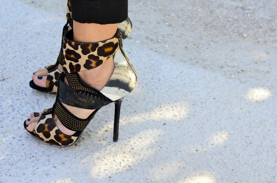 Парень в камуфляже, девушка-Микки-Маус и другие гости Paris Fashion Week. Изображение № 38.