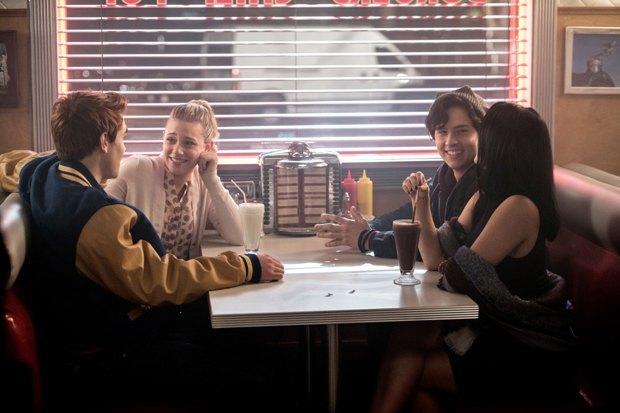 Сериал «Ривердэйл»: Подростковая драма в декорациях «Твин Пикса». Изображение № 8.