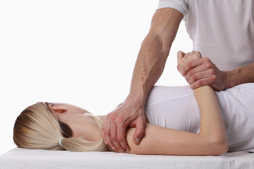 «Вправить желудок»: Кто такие остеопаты и как они могут навредить. Изображение № 1.