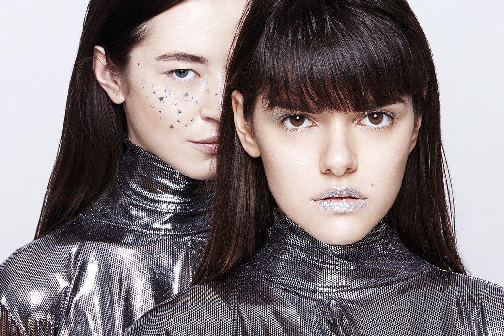 10 вариантов макияжа с блестками. Изображение № 5.