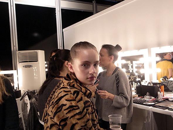 London Fashion Week: Бэкстейдж Danielle Scutt. Изображение № 10.