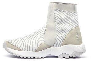 На три полоски: Как adidas приходит  на смену Nike. Изображение № 5.