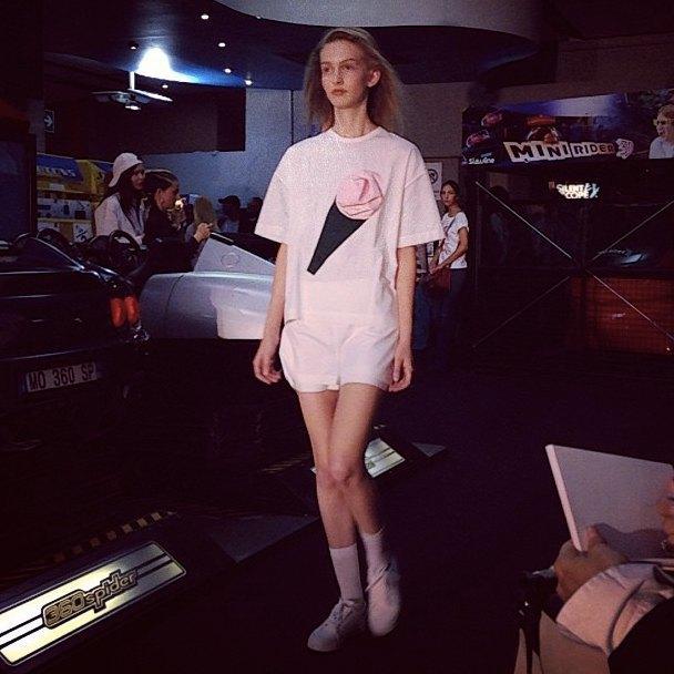 Главные показы  первого дня Paris Fashion Week. Изображение № 7.