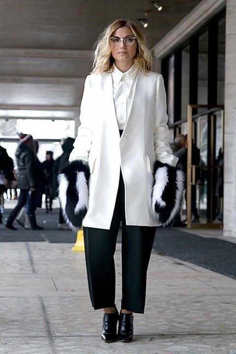 Стритстайл: Что носят на Нью-Йоркской неделе моды. Изображение № 3.