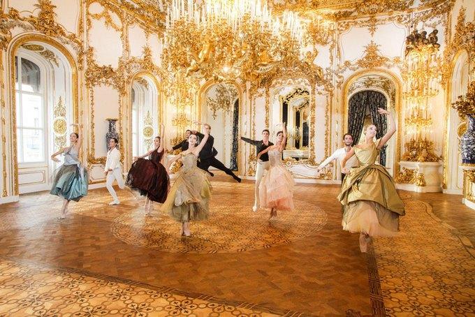 Вивьен Вествуд создала костюмы для Венского балета. Изображение № 2.