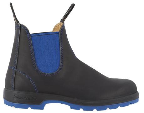 Культовая обувь на холодный сезон: 9 пар от простых до роскошных. Изображение № 7.