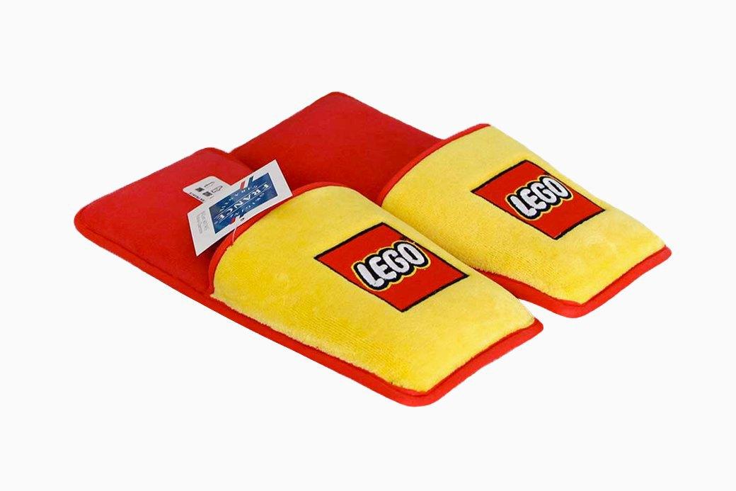 Мягкие тапочки с защитой ступней от деталей LEGO. Изображение № 1.