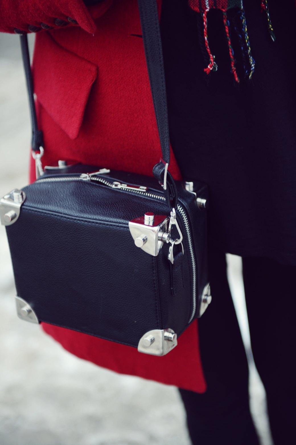 Шубы и горох на Stockholm Fashion Week. Изображение № 34.