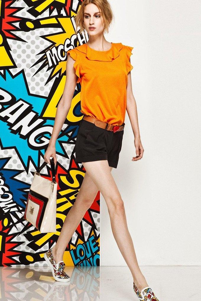 Яркие принты и костюмы в лукбуке Love Moschino. Изображение № 13.