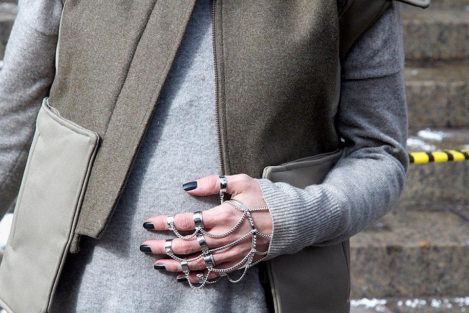 Стритстайл: Что носят на Нью-Йоркской неделе моды. Изображение № 2.