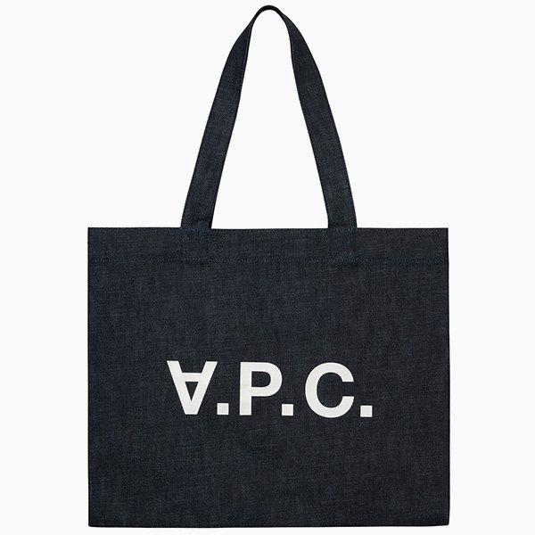 Ношу с собой: 10 сумок-шоперов от простых до роскошных. Изображение № 7.