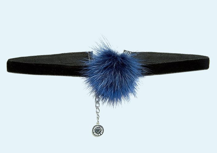 Стразы, чокеры, булавки:  Броские украшения  из масс-маркета. Изображение № 10.