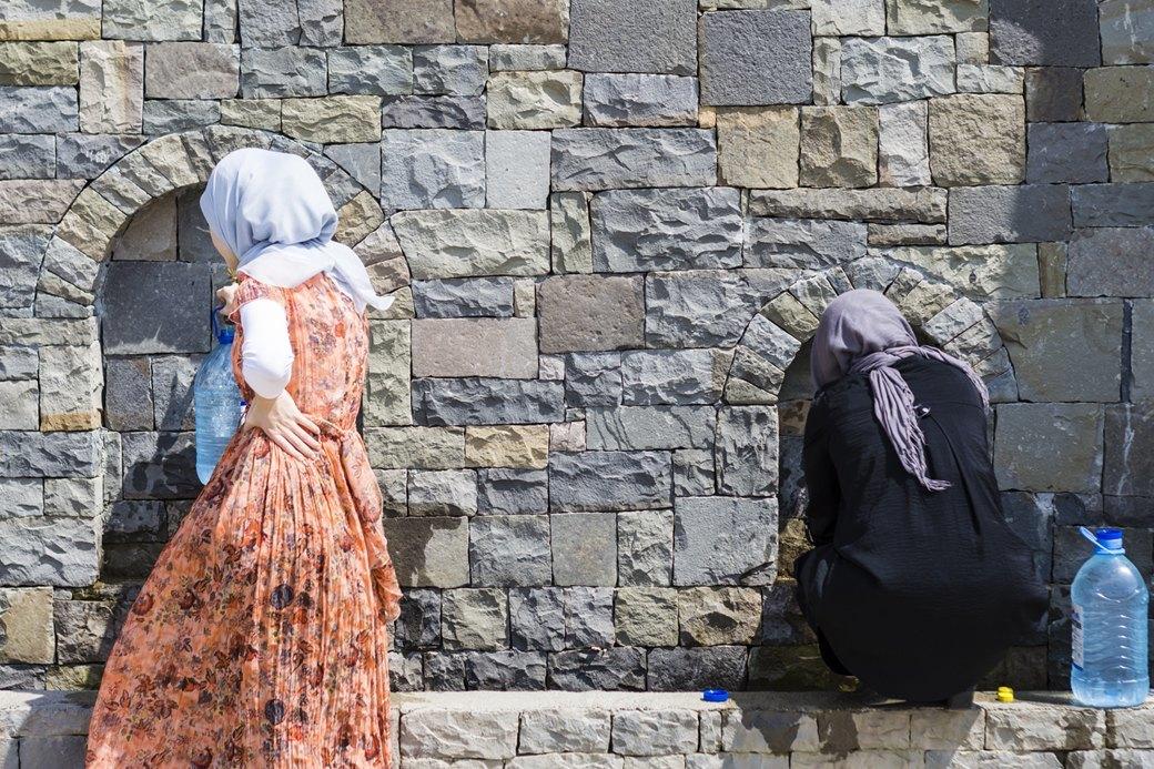 «Женщина будет страдать ещё больше»: Зачем в Чечне насильно примиряют семьи. Изображение № 2.