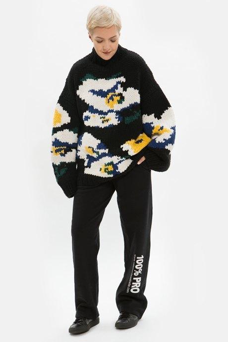 Основательница Arctic Explorer Ксения Чилингарова о любимых нарядах. Изображение № 20.
