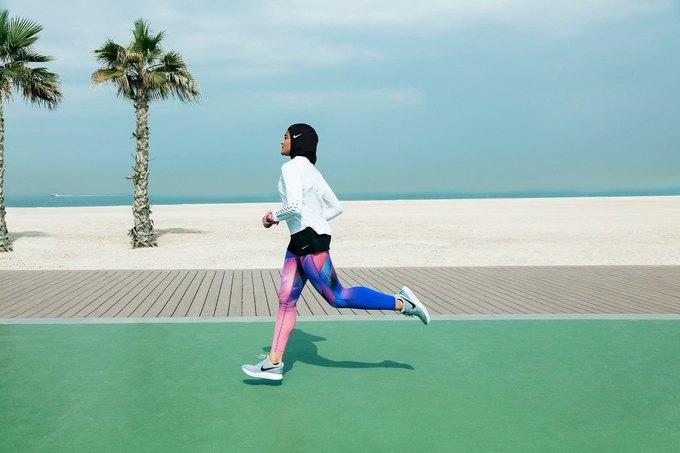 Nike выпустят хиджаб  для тренировок. Изображение № 3.