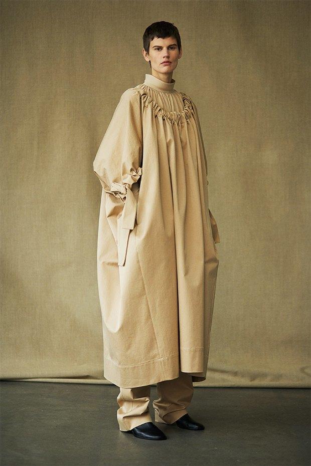 Саския де Брау в лукбуке новой коллекции The Row. Изображение № 7.