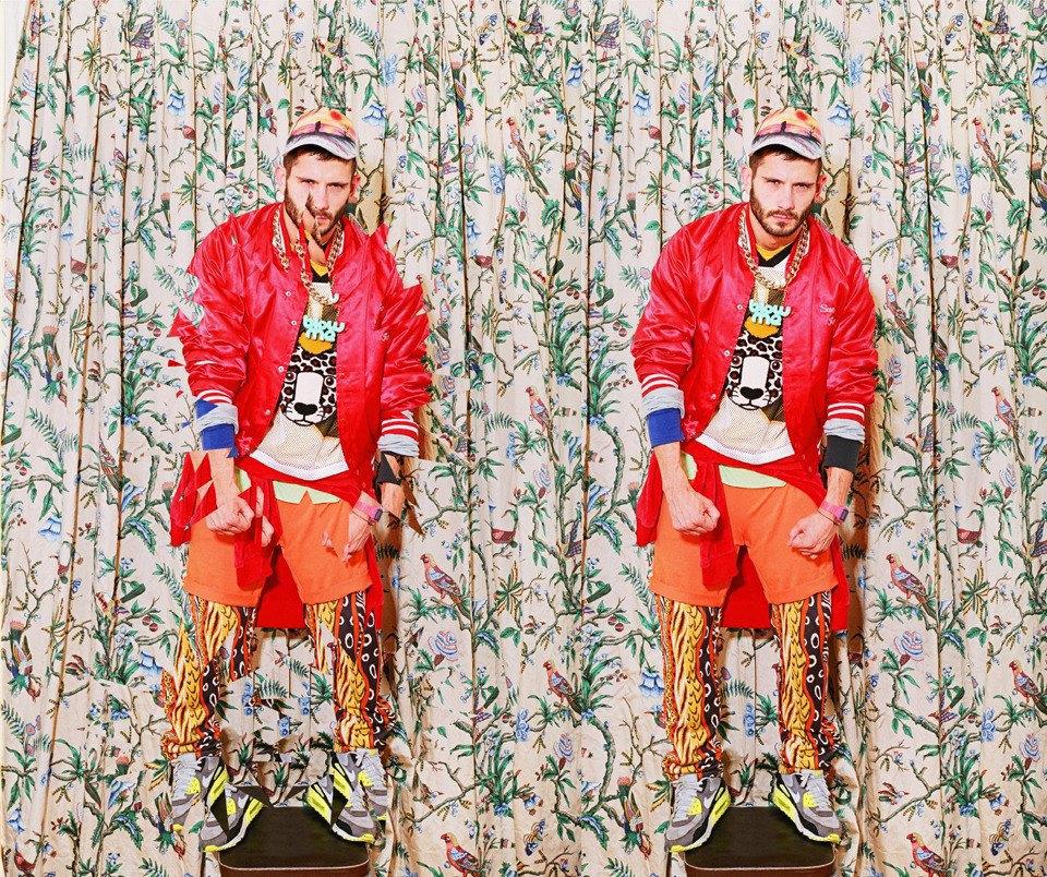 Все лучшее сразу: Московские модники в самой нарядной одежде из своего гардероба. Изображение № 6.