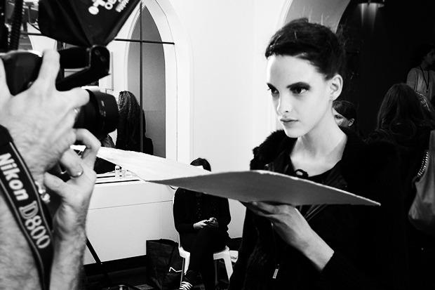 Начинающая модель Кларис Виткауткас, которая, как оказалось, открыла шоу A.F. Vandevorst. Изображение № 30.
