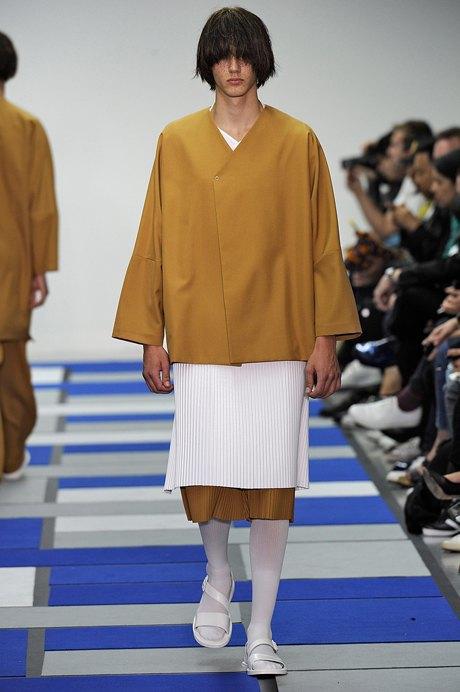 Дай поносить: 10 модных мужских нарядов, которые хочется отобрать. Изображение № 2.