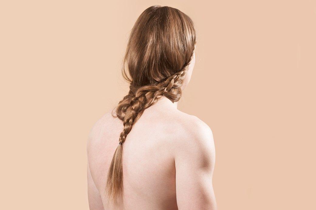 5 причесок под шапку для длинных волос. Изображение № 9.