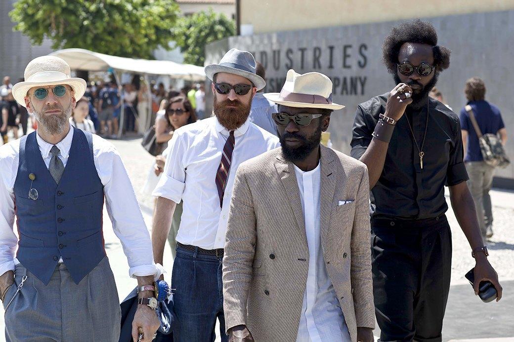 Стритстайл: Красивые мужчины на Pitti Uomo. Изображение № 1.