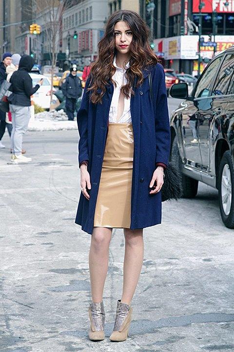 Стритстайл: Что носят на Нью-Йоркской неделе моды. Изображение № 12.