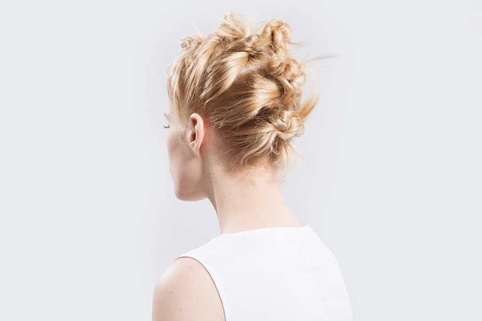 5 высоких летних причесок для длинных волос. Изображение № 11.