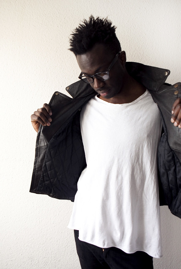 Гардероб: Виктор Амечи Мэнди, креативный директор Designersymposium.com. Изображение № 21.