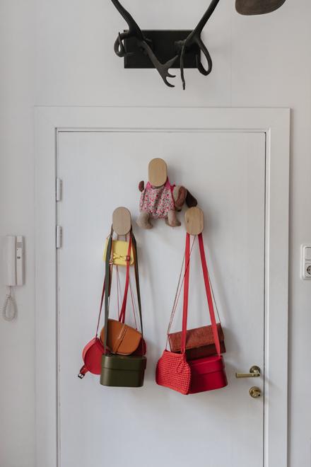 Дизайнер марки M_U_R Анна Дружинина у себя в гостиной. Изображение № 12.