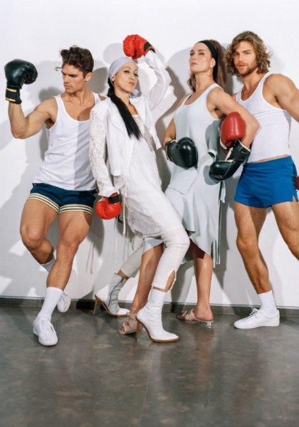 Barneys показали кампанию с супермоделями 70-х,  80-х и 90-х. Изображение № 9.