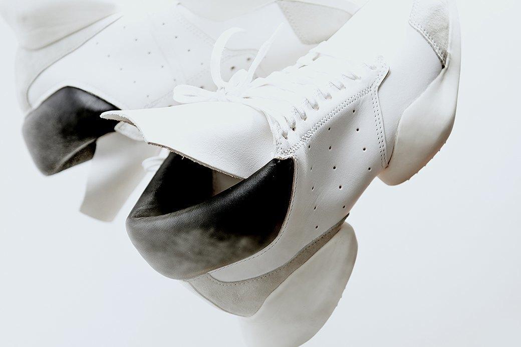 Ревизия:  Белые кроссовки. Изображение № 3.