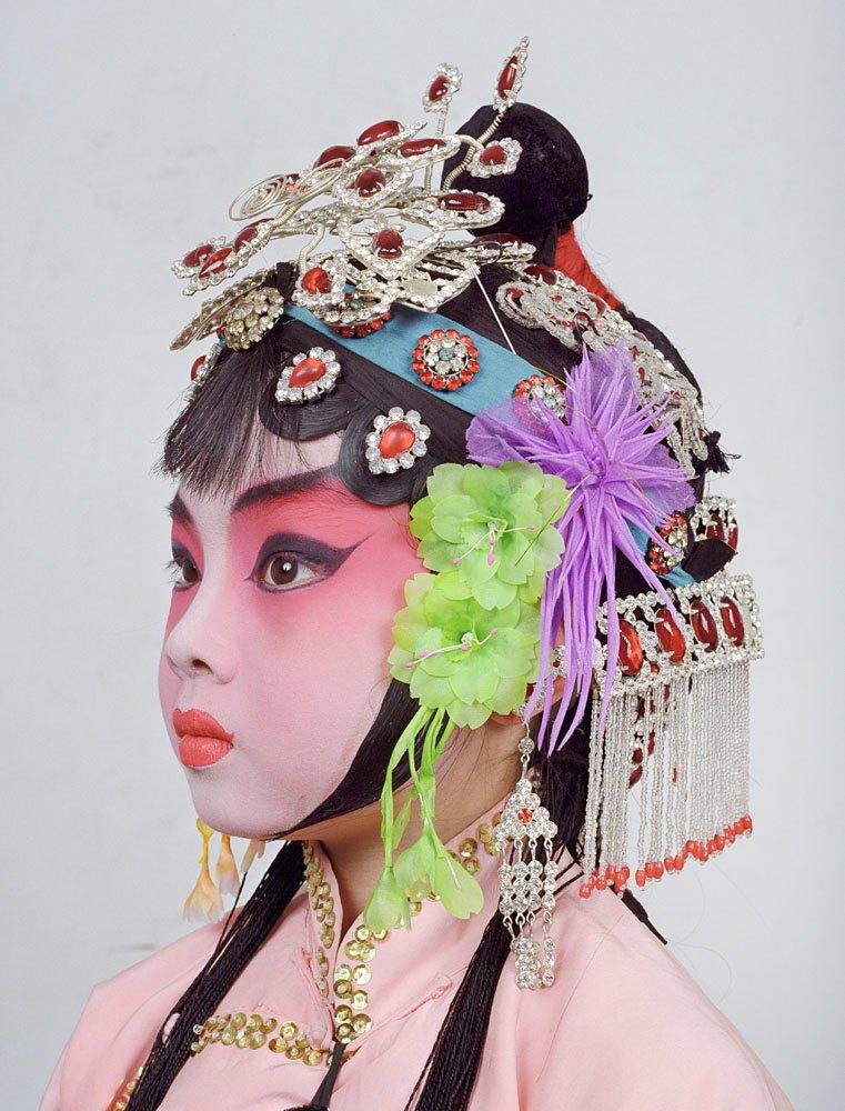 «Opera»: Студенты Пекинской оперы  в традиционных костюмах. Изображение № 3.