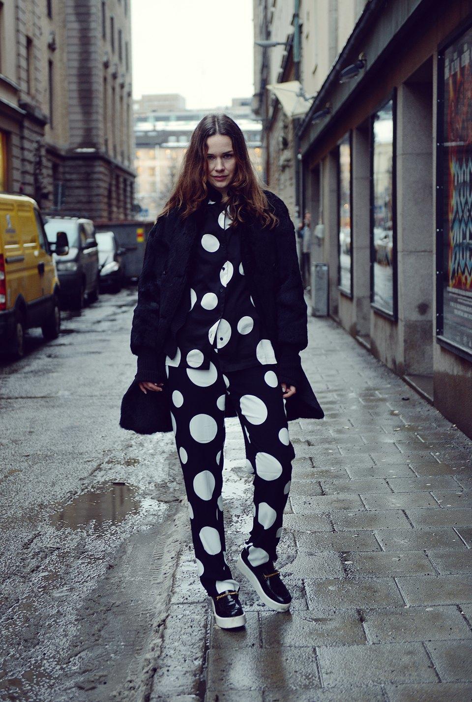Шубы и горох на Stockholm Fashion Week. Изображение № 35.