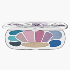 Палетка теней Essence Mermaid Eyeshadow Box в оттенке My Shell Is in the Castle, 331 руб.. Изображение № 39.