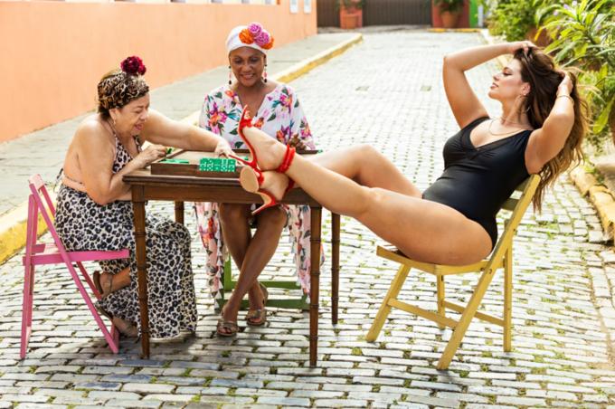Sports Illustrated опубликовал съёмку  с реальными женщинами. Изображение № 1.