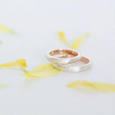 Ответственное решение: Где заказать современные обручальные кольца. Изображение № 2.