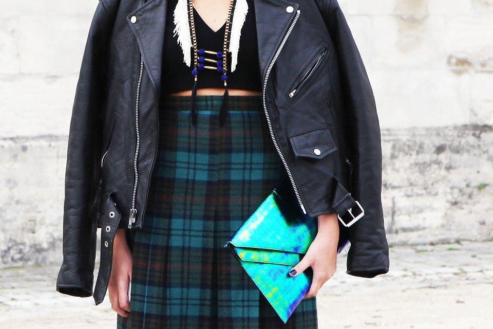 Пастельные цвета  и широкополые шляпы на гостях  Paris Fashion Week. Изображение № 4.